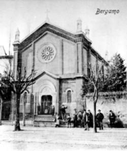 Il tempio in una fotografia dell'Ottocento