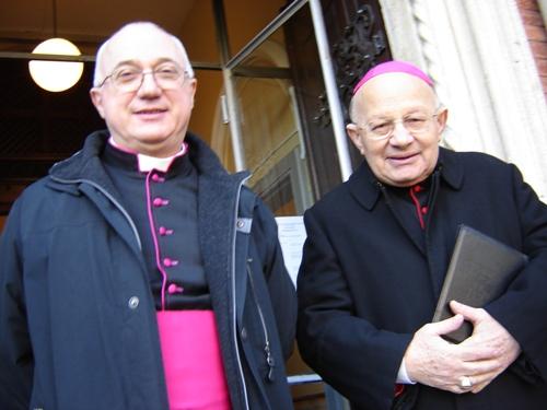 Mons. Amadei e mons. Scalabrini alla fine del culto